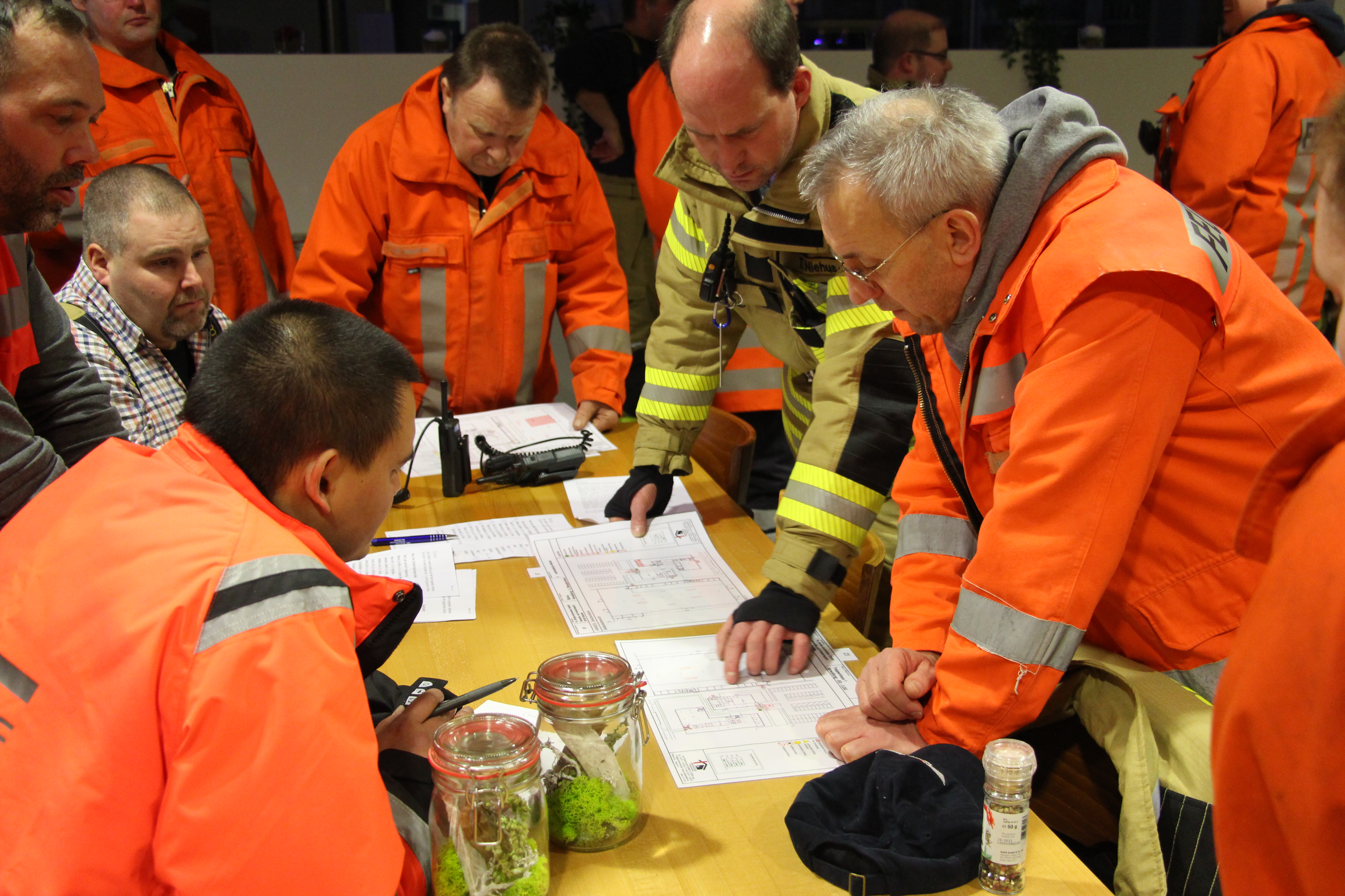The Loy fire brigade carried out a routine exercise to orient and improve local knowledge at Broetje-Automation in Loy. (Photo: Broetje-Automation)